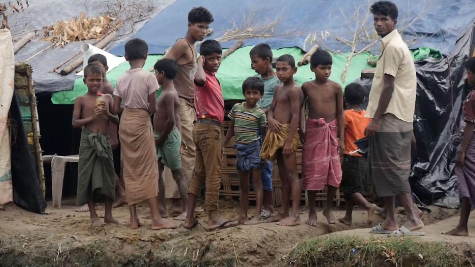 Les enfants sont parmi ceux bloqués au camp