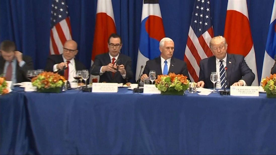 Donald Trump donne une déclaration sur les sanctions en Corée du Nord.