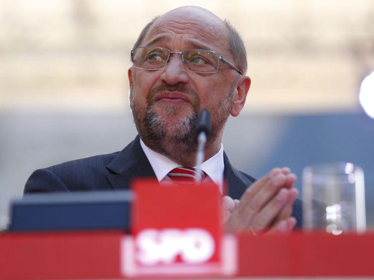 Le candidat chancelier socialiste (SPD) Martin Schulz réagit lors du rassemblement final de la campagne à Aix-la-Chapelle
