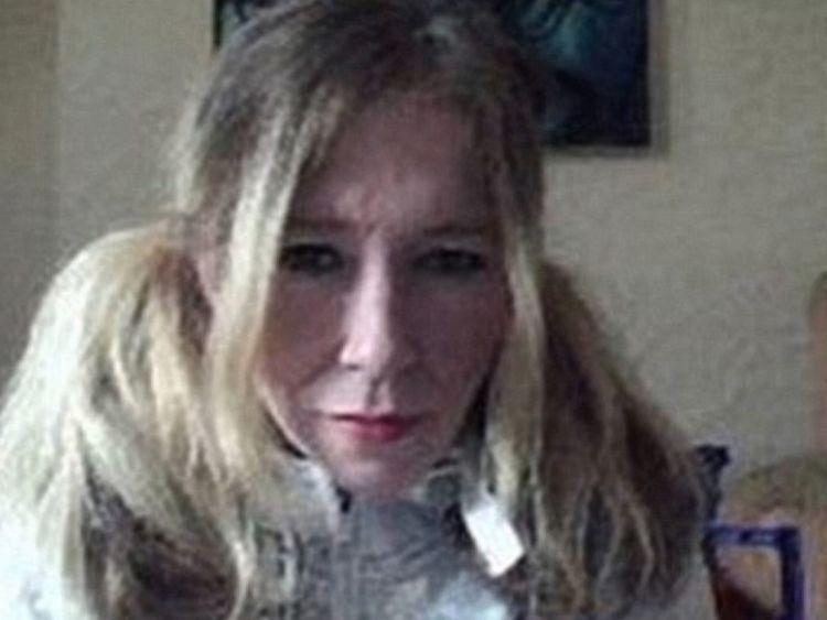 Le djihadiste britannique Sally Jones, l'un des meilleurs recruteurs de l'État islamique, est en vie et tente de s'échapper de la ville syrienne de Raqqa