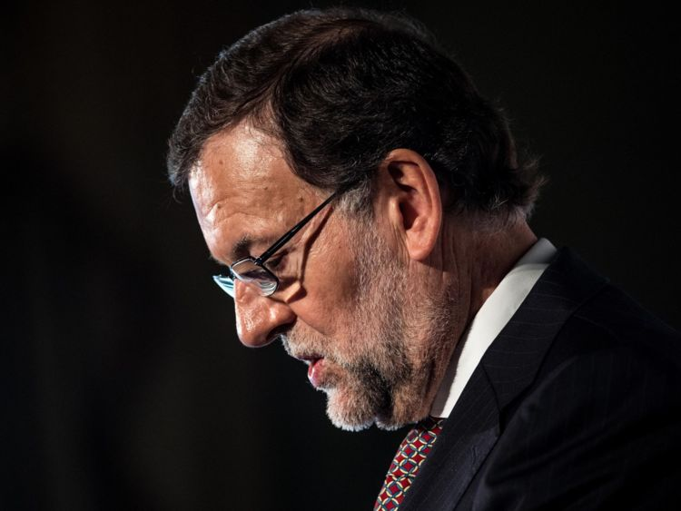 Le Premier ministre espagnol, Mariano Rajoy, dit qu'il est en contact avec les autorités