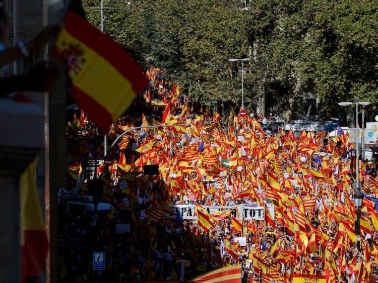 La manifestation a été organisée par la Societat Civil Catalana & # 39; (Société civile catalane) pour soutenir l'unité espagnole