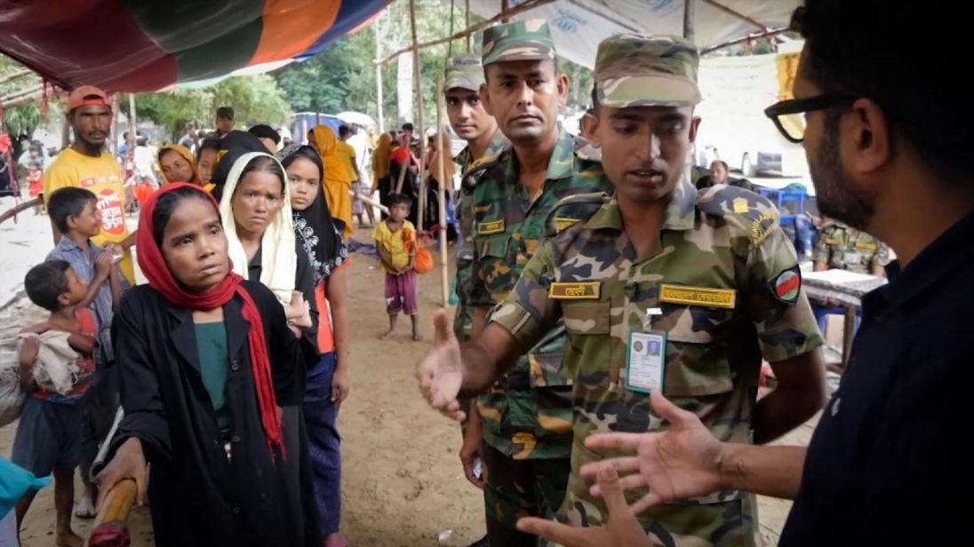 L'armée du Bangladesh aide à diriger le camp de réfugiés
