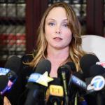"""LOS ANGELES, CA - 10 OCTOBRE: Louisette Geiss, cliente de l'avocate Gloria Allred, parle lors d'une conférence de presse de ses allégations de harcèlement sexuel par Harvey Weinstein au bureau d'Allred le 10 octobre 2017 à Los Angeles, Californie. Weinstein a été accusée de harcèlement sexuel par plusieurs femmes. (Photo par Emma McIntyre / Getty Images) """"class ="""" sdc-article-image-grille__image """"/> <noscript><br /> <img src="""