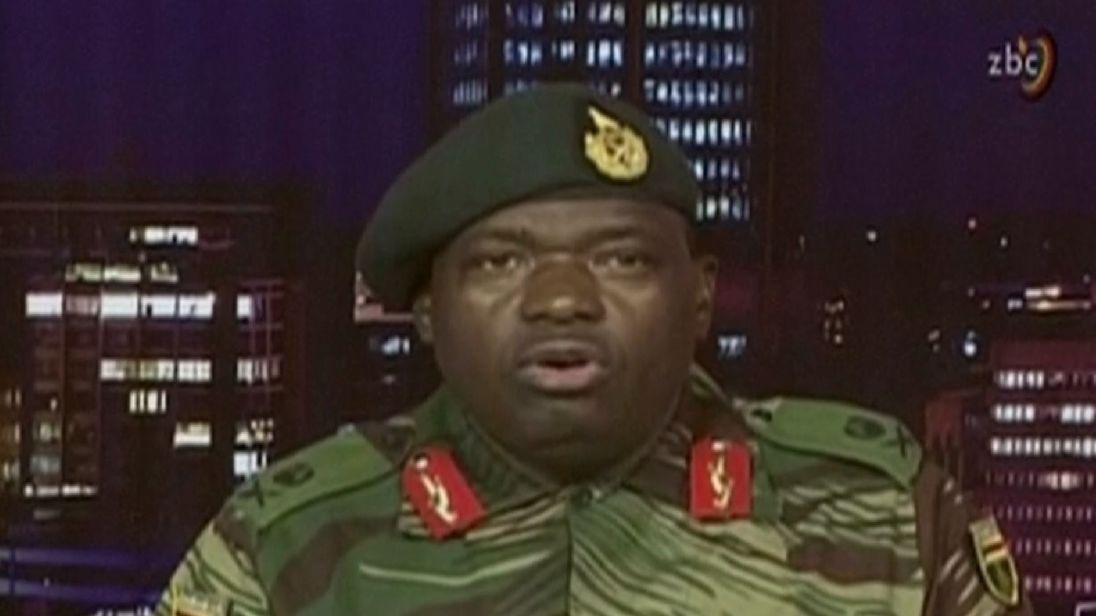 Le général Moyo insista pour que le président Mugabe soit en sécurité