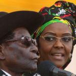 Le président Robert Mugabe et son épouse Grace assistent à un rassemblement à Chinhoyi