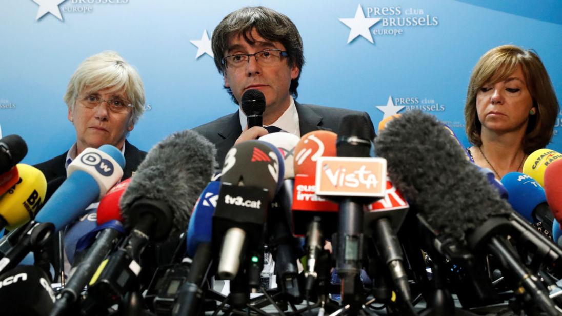 Carles Puigdemont, dirigeant catalan limogé, donne une conférence de presse au Press Club Bruxelles Europe à Bruxelles