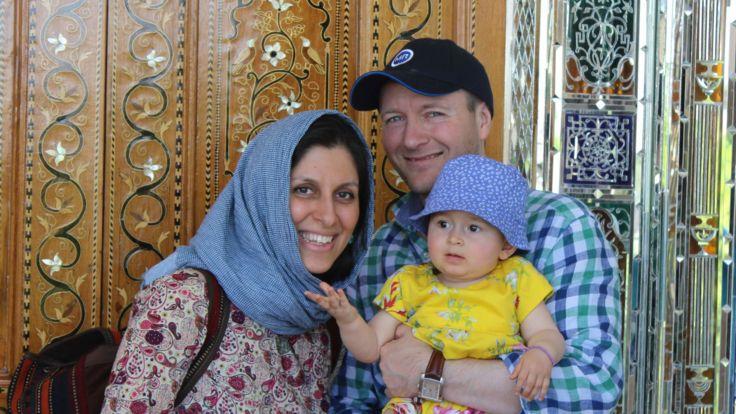 . ] Nazanin Ratcliffe avec sa famille