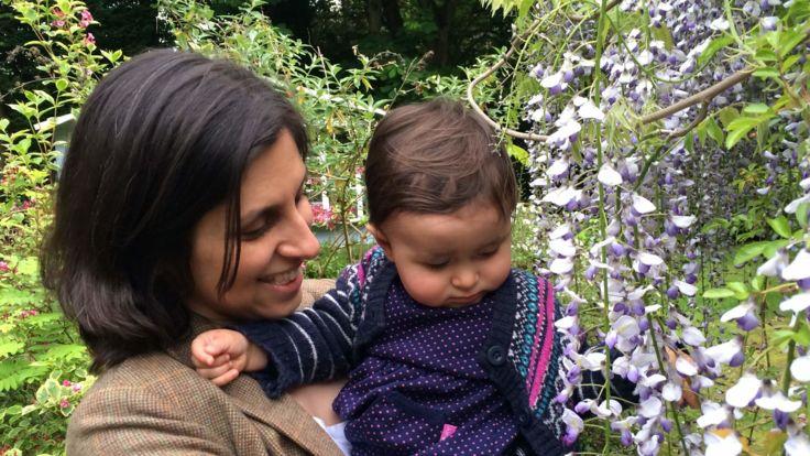 Nazanin Ratcliffe avec sa fille