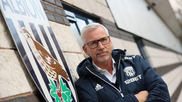 a6e821c2b0cb9 Alan Pardew prévoit des discussions avec Jonny Evans sur son avenir ...