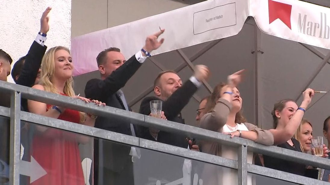 Les partisans de l'AfD célèbrent la troisième place aux élections générales allemandes