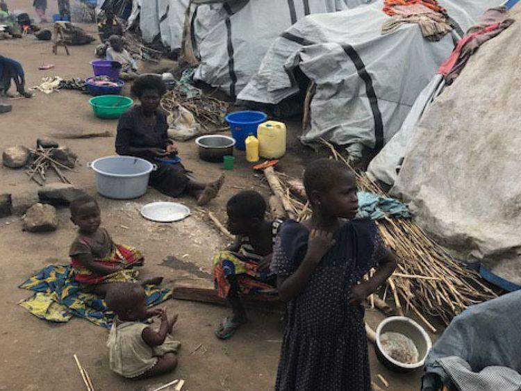 Près de dix mille personnes vivent dans un camp à Bunia après des combats fuyants