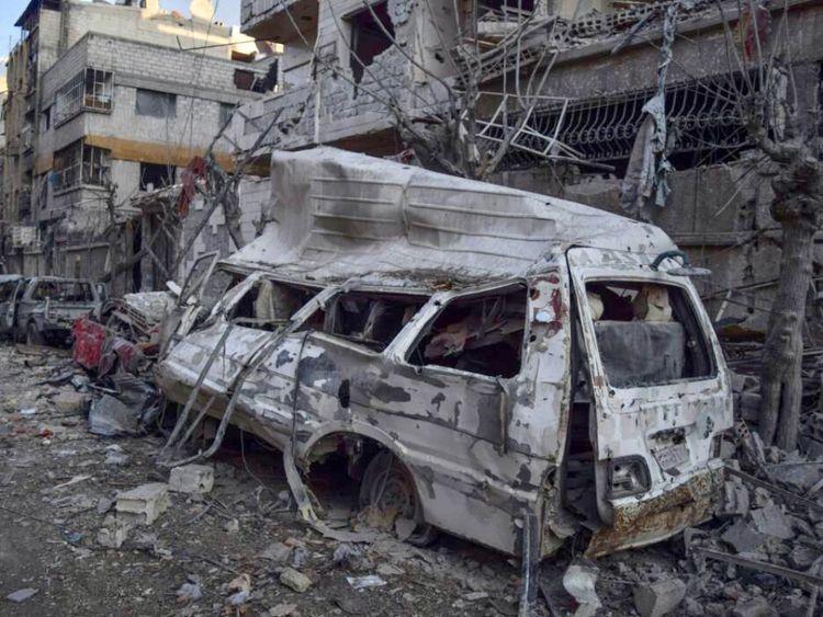 Dommages causés par les bombardements dans une rue de Douma, Ghouta orientale, Syrie. Crédit: Save the Children / Secours en Syrie