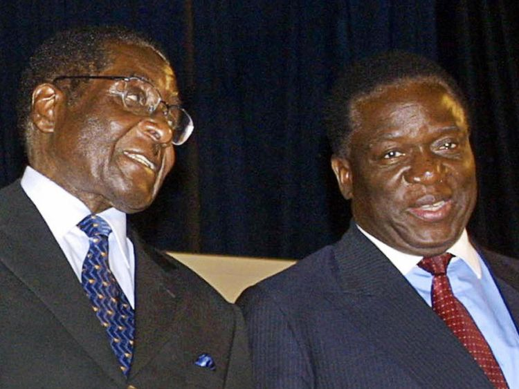 M. Mnangagwa est lieutenant de M. Mugabe depuis de nombreuses années. Cette image de fichier est de 2003