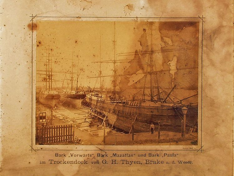 Une photographie de la Paula (avant droite) accostée en Allemagne, vers 1880. Pic: Service météorologique allemand / kymillman.com