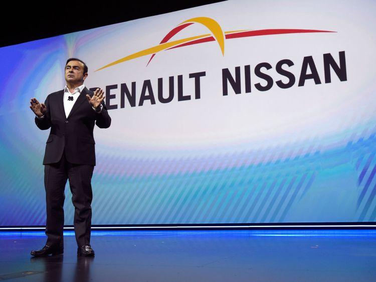 Carlos Ghosn est le président des deux sociétés