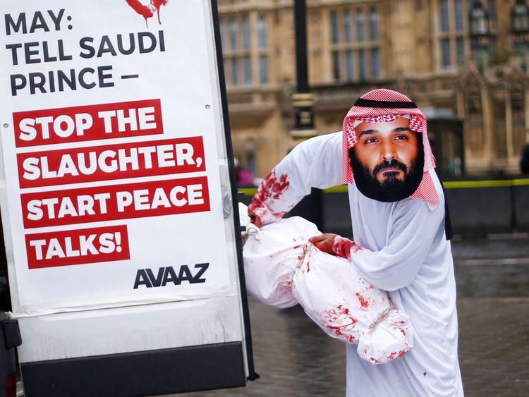 Les militants d'Avaaz organisent une manifestation pour coïncider avec la visite du prince héritier Mohammad bin Salman devant les Chambres du Parlement
