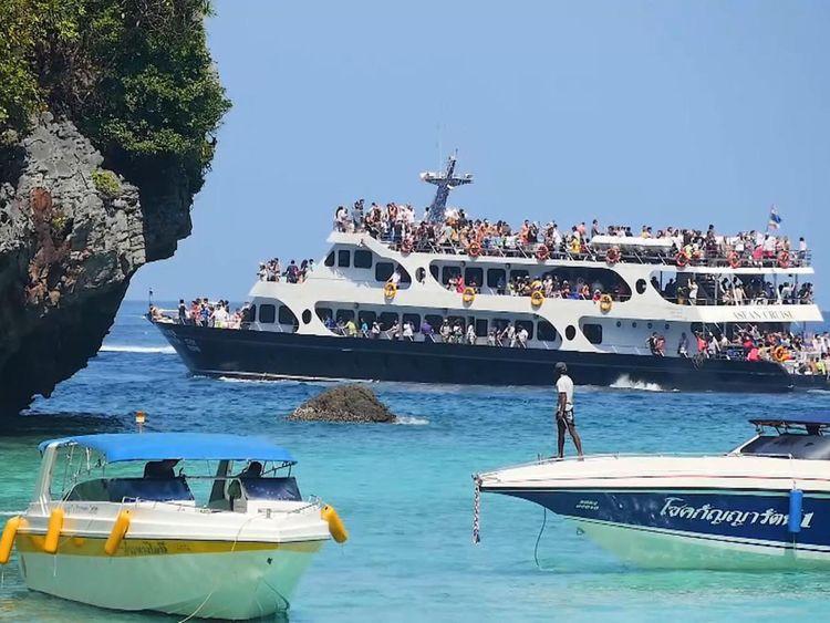 On pourrait interdire l'accès des bateaux touristiques à la baie