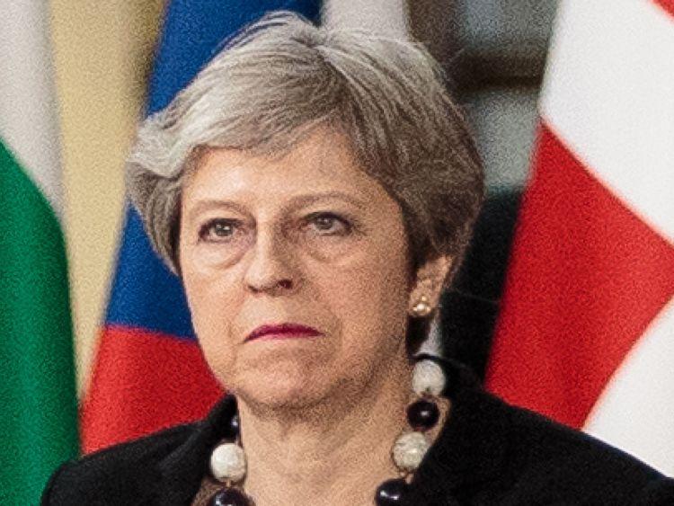 """BRUXELLES, BELGIQUE - MARS 23: Premier ministre britannique steresa May arrive au Conseil de l'Union européenne le dernier jour des dirigeants du Conseil européen Theresa May a convaincu les dirigeants de l'UE de blâmer la Russie pour l'attaque de Salisbury </span><br />       </figcaption></figure> </div> <p> Le ministre irlandais des Affaires étrangères, Simon Coveney, a révélé plus tard que son pays procéderait à une """"évaluation de la sécurité"""" </span><br />         <span class="""