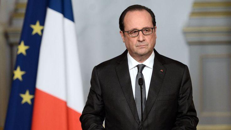 François Hollande parle à la nation de l'Elysée un jour après les attentats