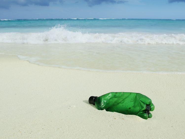 plus de 150 millions de tonnes de plastique dans les océans