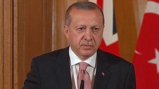 """La question du Président Erdogan au monde - """"Côté avec le fort ou le côté"""" avec le droit? """"srcset ="""" https://e3.365dm.com/18/05/320x180/skynews-erdogan-turkey-president_4311133.jpg?20180515184100 320w, https://e3.365dm.com /18/05/640x380/skynews-erdogan-turkey-president_4311133.jpg?20180515184100 640w, https://e3.365dm.com/18/05/736x41 4 / skynews-erdogan-turkey-president_4311133.jpg? 20180515184100 736w, https://e3.365dm.com/18/05/992x558/skynews-erdogan-turkey-president_4311133.jpg?20180515184100 992w, https: // e3. 365dm.com/18/05/1096x616/skynews-erdogan-turkey-president_4311133.jpg?20180515184100 1096w, https://e3.365dm.com/18/05/1600x900/skynews-erdogan-turkey-president_4311133.jpg?20180515184100 1600w, https://e3.365dm.com/18/05/1920x1080/skynews-erdogan-turkey-president_4311133.jpg?20180515184100 1920w, https://e3.365dm.com/18/05/2048x1152/skynews-erdogan -turkey-president_4311133.jpg? 20180515184100 2048w """"tailles ="""" (min-largeur: 900px) 992px, 100vw"""
