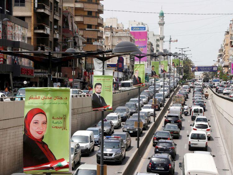 Des affiches de campagne des candidats au parlement libanais sont vues à Beyrouth, Liban 2 mai 2018 REUTERS / Mohamed Azakir