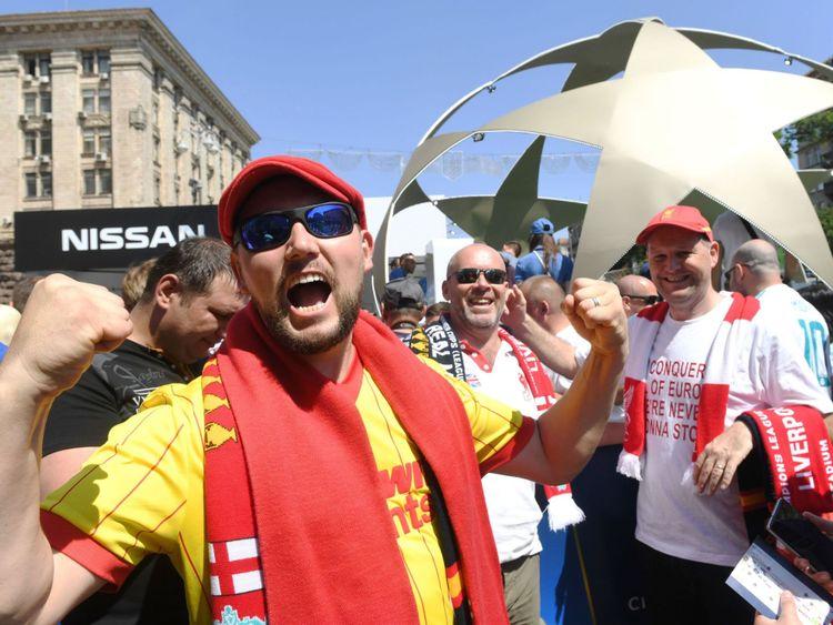L'armée des supporters de Liverpool crée déjà une atmosphère à Kiev alors que les clubs proposent une sixième Coupe d'Europe