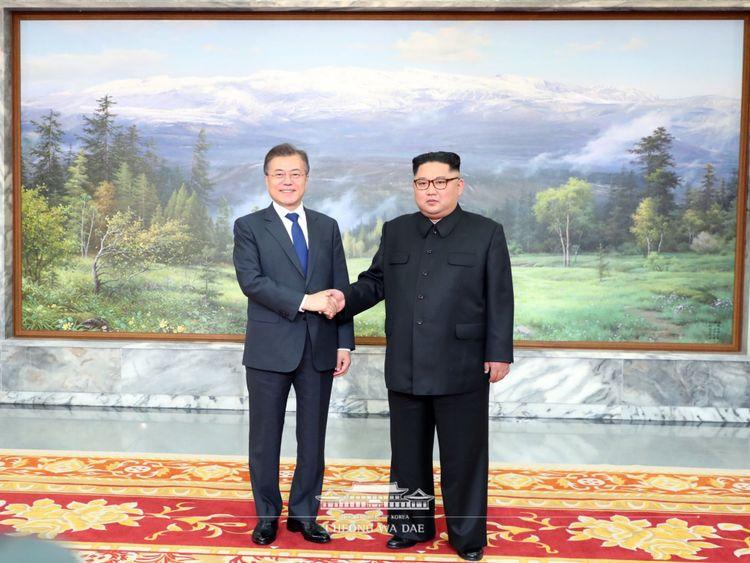 Ils se sont rencontrés dans l'unification de North Panmunjom dans l'après-midi du 26 mai
