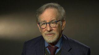 """Steven Spielberg """"srcset ="""" https: //e3.365dm.com/18/01/320x180/ skynews-steven-spielberg-directeur_4203355.jpg? 20180111184011 320w, https://e3.365dm.com/18/01/640x380/skynews-steven-spielberg-director_4203355.jpg?20180111184011 640w, https: //e3.365dm. com / 18/01 / 736x414 / skynews-steven-spielberg-directeur_4203355.jpg? 20180111184011 736w, https://e3.365dm.com/18/01/992x558/skynews-steven-spielberg-director_4203355.jpg?20180111184011 992w, https://e3.365dm.com/18/01/1096x616/skynews-steven-spielberg-director_4203355.jpg?20180111184011 1096w, https://e3.365dm.com/18/01/1600x900/skynews-steven-spielberg -director_4203355.jpg? 20180111184011 1600w, https://e3.365dm.com/18/01/1920x1080/skynews-steven-spielberg-director_4203355.jpg?20180111184011 1920w, https://e3.365dm.com/18/01 /2048x1152/skynews-steven-spielberg-director_4203355.jpg?20180111184011 2048w """"tailles ="""" (min-largeur: 900px) 992px, 100vw"""