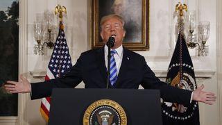 Le président américain Donald Trump parle après avoir annoncé son intention de se retirer de l'accord nucléaire JCPOA Iran dans la salle diplomatique à la Maison Blanche à Washington, USA, 8 mai 2018. REUTERS / Jonathan Ernst [19659007] 1:51 </span><br />                     </span></p> <p>            </span><figcaption class=