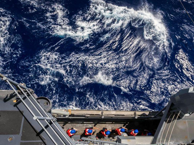 USS Antietam et Higgins ont sérieusement enfreint Souveraineté chinoise. Image du fichier