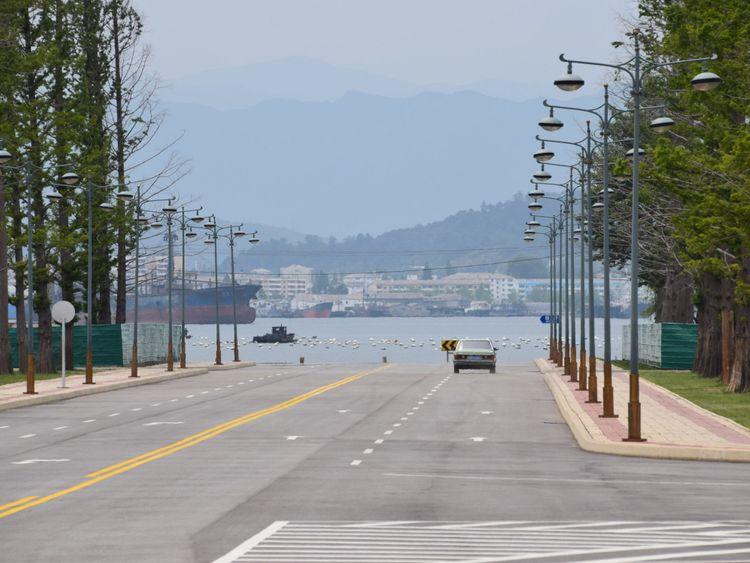 Entrant dans la ville de Wonsan dans le sud-est de la Corée du Nord