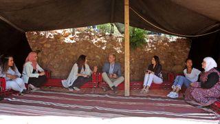 """William à l'Institut Princess Taghrid pour le développement et la formation en Jordanie """"srcset ="""" https://e3.365dm.com/18/06/320x180/skynews-prince-william-jordan_4345552.jpg?20180625162205 320w, https: // e3 365 jours /. 20180625162205 736w, https://e3.365dm.com/18/06/992x558/skynews-prince-william-jordan_4345552.jpg?20180625162205 992w, https://e3.365dm.com/18/06/1096x616/skynews- prince-william-jordan_4345552.jpg? 20180625162205 1096w, https://e3.365dm.com/18/06/1600x900/skynews-prince-william-jordan_4345552.jpg?20180625162205 1600w, https://e3.365dm.com/ 18/06 / 1920x1080 / cielnews-prince-william-jordan_4345552.jpg? 20180625162205 1920w, https://e3.365dm.com/18/06/2048x1152/skynews-prince-william-jordan_4345552.jpg?20180625162205 2048w """"tailles = """"(min-largeur: 900px) 992px, 100vw"""