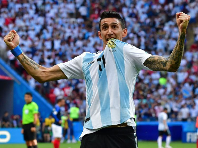 Angel Di Maria célèbre son superbe but contre la France