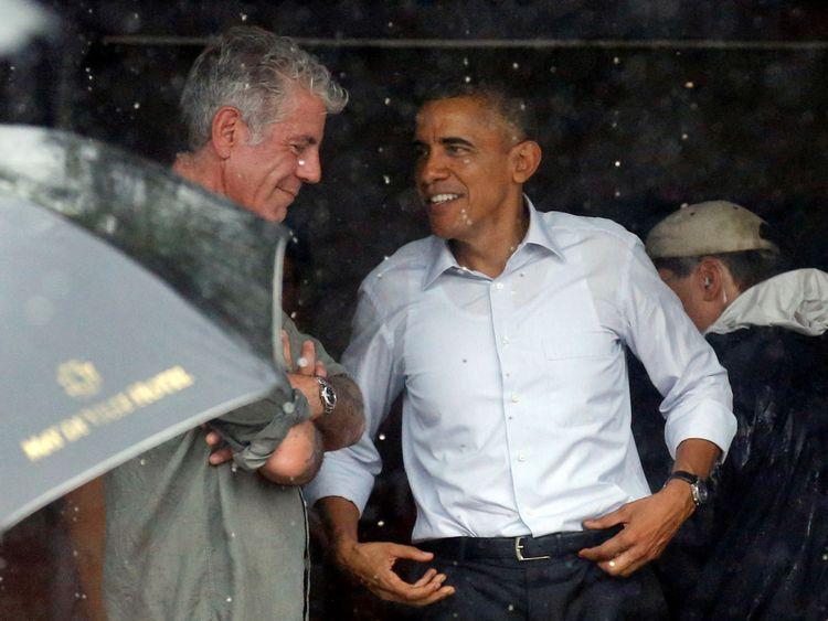 Bourdain avec Barack Obama après une interview au Vietnam en mai 2016