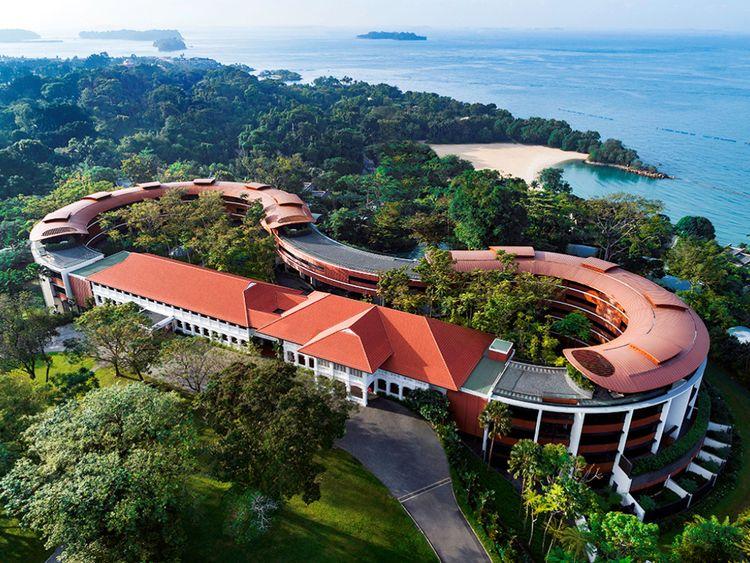 Le Capella de 112 chambres qui jaillit d'une île paysagée dans le port de Singapour