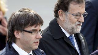"""Mariano Rajoy (à droite) et Carles Puigdemont sur la photo l'année dernière """"srcset ="""" https://e3.365dm.com/17/10/320x180/ skynews-carles-puigdemont-mariano-rajoy_4141464.jpg? 20171029084717 320w, h ttps: //e3.365dm.com/17/10/640x380/skynews-carles-puigdemont-mariano-rajoy_4141464.jpg? 20171029084717 640w, https://e3.365dm.com/17/10/736x414/skynews-carles -puigdemont-mariano-rajoy_4141464.jpg? 20171029084717 736w, https://e3.365dm.com/17/10/992x558/skynews-carles-puigdemont-mariano-rajoy_4141464.jpg?20171029084717 992w, https: //e3.365dm .com / 17/10 / 1096x616 / skynews-carles-puigdemont-mariano-rajoy_4141464.jpg? 20171029084717 1096w, https://e3.365dm.com/17/10/1600x900/skynews-carles-puigdemont-mariano-rajoy_4141464. jpg? 20171029084717 1600w, https://e3.365dm.com/17/10/1920x1080/skynews-carles-puigdemont-mariano-rajoy_4141464.jpg?20171029084717 1920w, https://e3.365dm.com/17/10/ 2048x1152 / skynews-carles-puigdemont-mariano-rajoy_4141464.jpg? 20171029084717 2048w """"tailles ="""" (min-largeur: 900px) 992px, 100vw"""