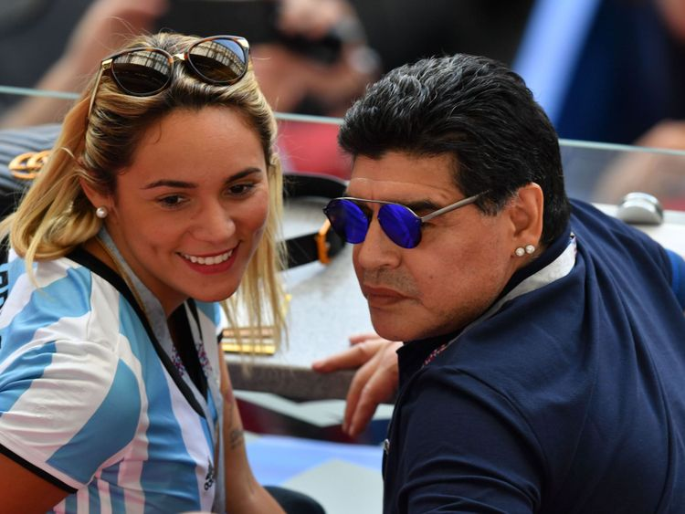 Diego Maradona et sa copine Rocio Oliva à Kazan