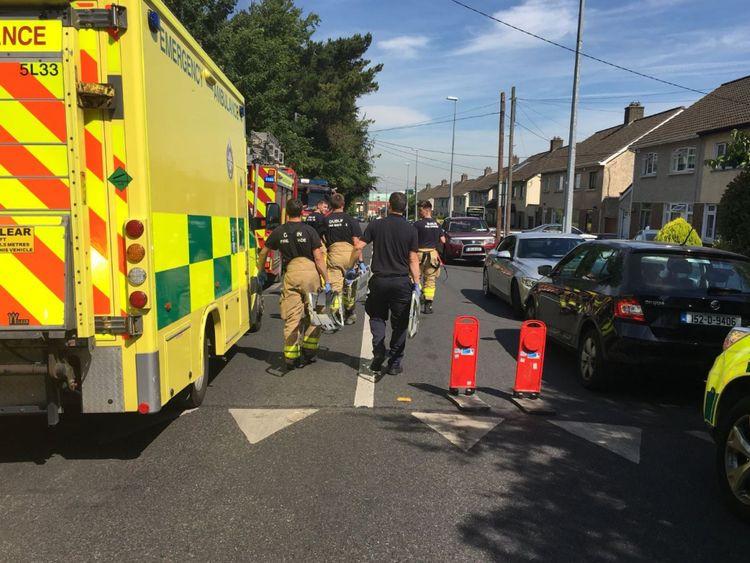 Des véhicules de service d'urgence sont sur les lieux. Pic: Robin Schiller / Independent.ie
