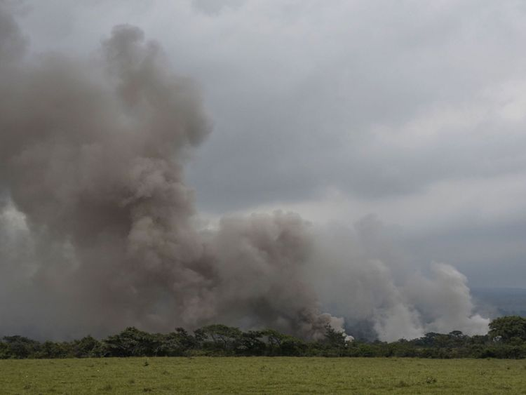 Les dernières explosions ont soulevé des cendres à plus de 5 000 m d'altitude