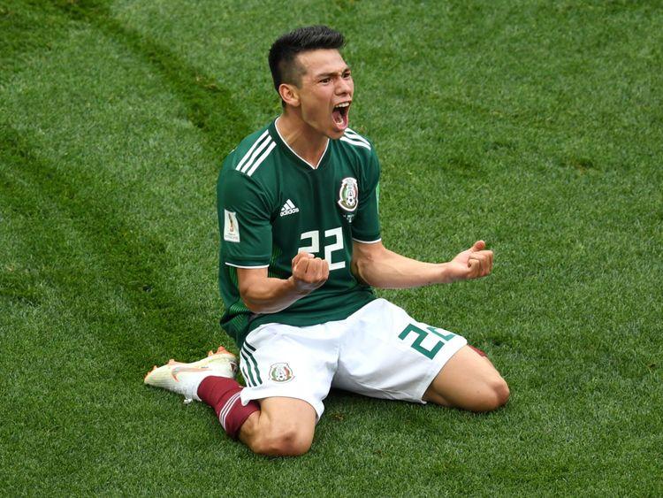 Le Mexicain Hirving Lozano célèbre son but contre l'Allemagne