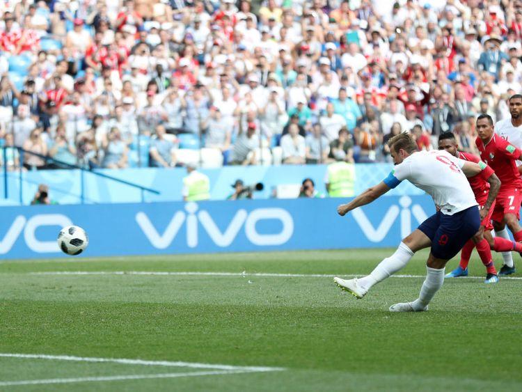 Harry Kane marque le cinquième but de son équipe depuis le point de penalty