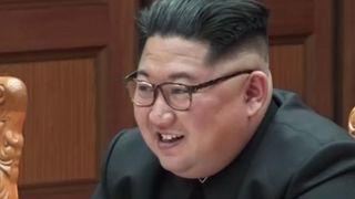 """Kim Jong Un est tout sourire quand il rencontre le président et les officiels de la Corée du Sud """"srcset ="""" https://e3.365dm.com/18/06/320x180/skynews -kim-jong-un-tyrant_4330078.jpg? 20180607124236 320w, https://e3.365dm.com/18/06/640x380/skynews-kim-jong-un-tyrant_4330078.jpg?20180607124236 640w, https: // e3 365 jours /. tyrant_4330078.jpg? 20180607124236 992w, https://e3.365dm.co m / 18/06 / 1096x616 / cielnews-kim-jong-un-tyrant_4330078.jpg? 20180607124236 1096w, https://e3.365dm.com/18/06/1600x900/skynews-kim-jong-un-tyrant_4330078.jpg ? 20180607124236 1600w, https://e3.365dm.com/18/06/1920x1080/skynews-kim-jong-un-tyrant_4330078.jpg?20180607124236 1920w, https://e3.365dm.com/18/06/2048x1152 /skynews-kim-jong-un-tyrant_4330078.jpg?20180607124236 2048w """"tailles ="""" (min-largeur: 900px) 992px, 100vw"""