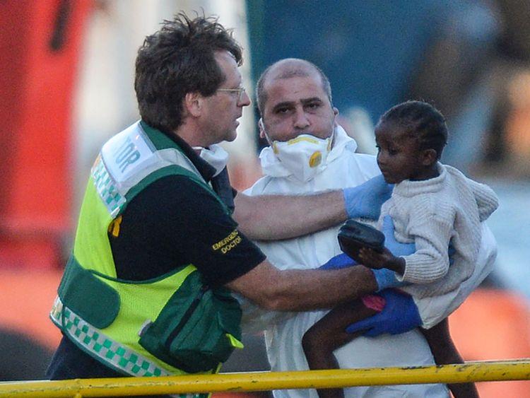 Un enfant est enlevé du bateau et à un médecin à Malte