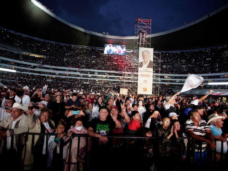 Plus de 80 000 personnes ont assisté au dernier rassemblement de Lopez Obrador