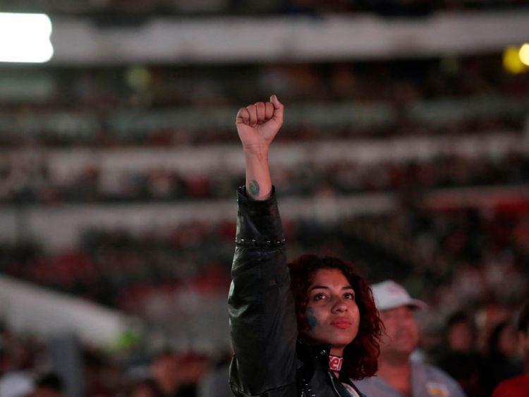 Les jeunes soutiennent Andres Manuel Lopez Obrado
