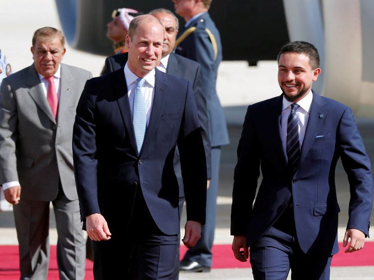 Prince William est accueilli par le prince héritier de Jordanie Hussein bin Abdullah II