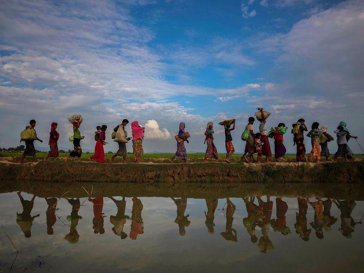 Les réfugiés Rohingya fuient le Myanmar