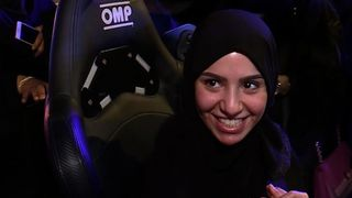 """Les femmes en Arabie Saoudite apprennent à conduire """"srcset ="""" https://e3.365dm.com/18/06/320x180/skynews-saudi-arabia-women-drivers_4343323.jpg?20180623102111 320w, https: //e3.365dm .com / 18/06 / 640x380 / skynews-saoudien-arabia-women-drivers_4343323.jpg? 20180623102111 640w, https://e3.365dm.com/18/06/736x414/skynews-saudi-arabia-women-drivers_4343323. jpg? 20180623102111 736w, https://e3.365dm.com/18/06/992x558/skynews-saudi-arabia-women-drivers_4343323.jpg?20180623102111 992w, https://e3.365dm.com/18/06/ 1096x616 / skynews-saudi-arabia-women-drivers_4343323.jpg? 20180623102111 1096w, https://e3.365dm.com/18/06/1600x900/skynews-saudi-arabia-women-drivers_4343323.jpg?20180623102111 1600w, https: //e3.365dm.com/18/06/1920x1080/skynews-saudi-arabia-women-drivers_4343323.jpg?20180623102111 1920w, https://e3.365dm.com/18/06/2048x1152/skynews-saudi-arabia -women-drivers_4343323.jpg? 20180623102111 2048w """"tailles ="""" (min-largeur: 900px) 992px, 100vw"""